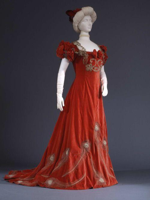 Evening Dress, 1905; Collection Galleira del Costume di Palazzo Pitti
