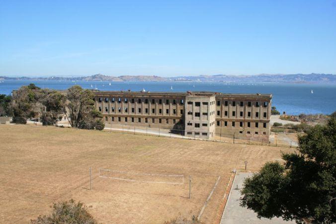 fort-mcdowell-600-man-barracks-2