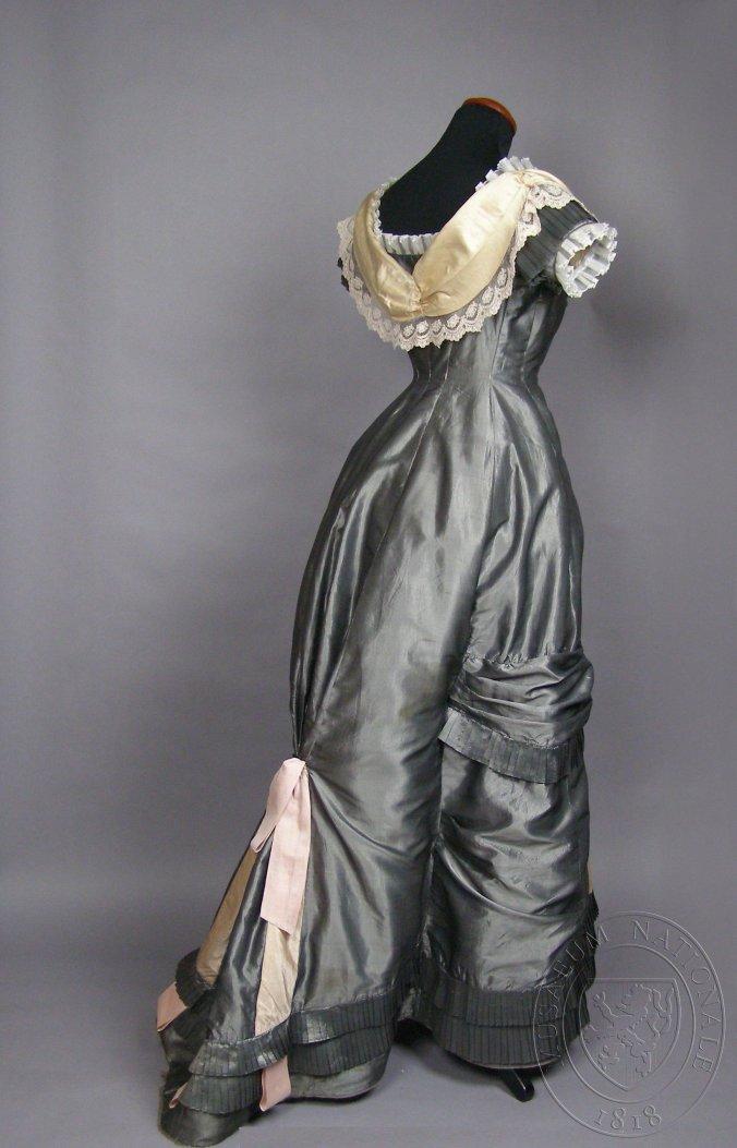 Czech Dress4