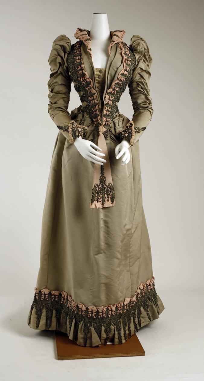 1887 - 1891 Day Dress1